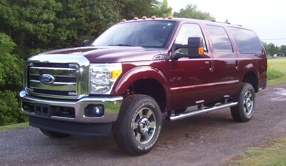 Ford Excursion photo 11