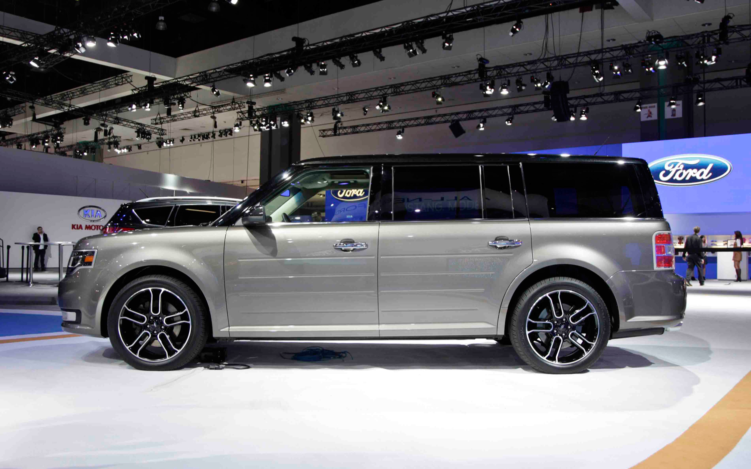 Ford Flex photo 11