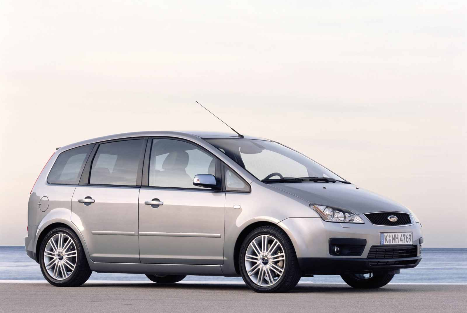Ford focus c max cng photo 04