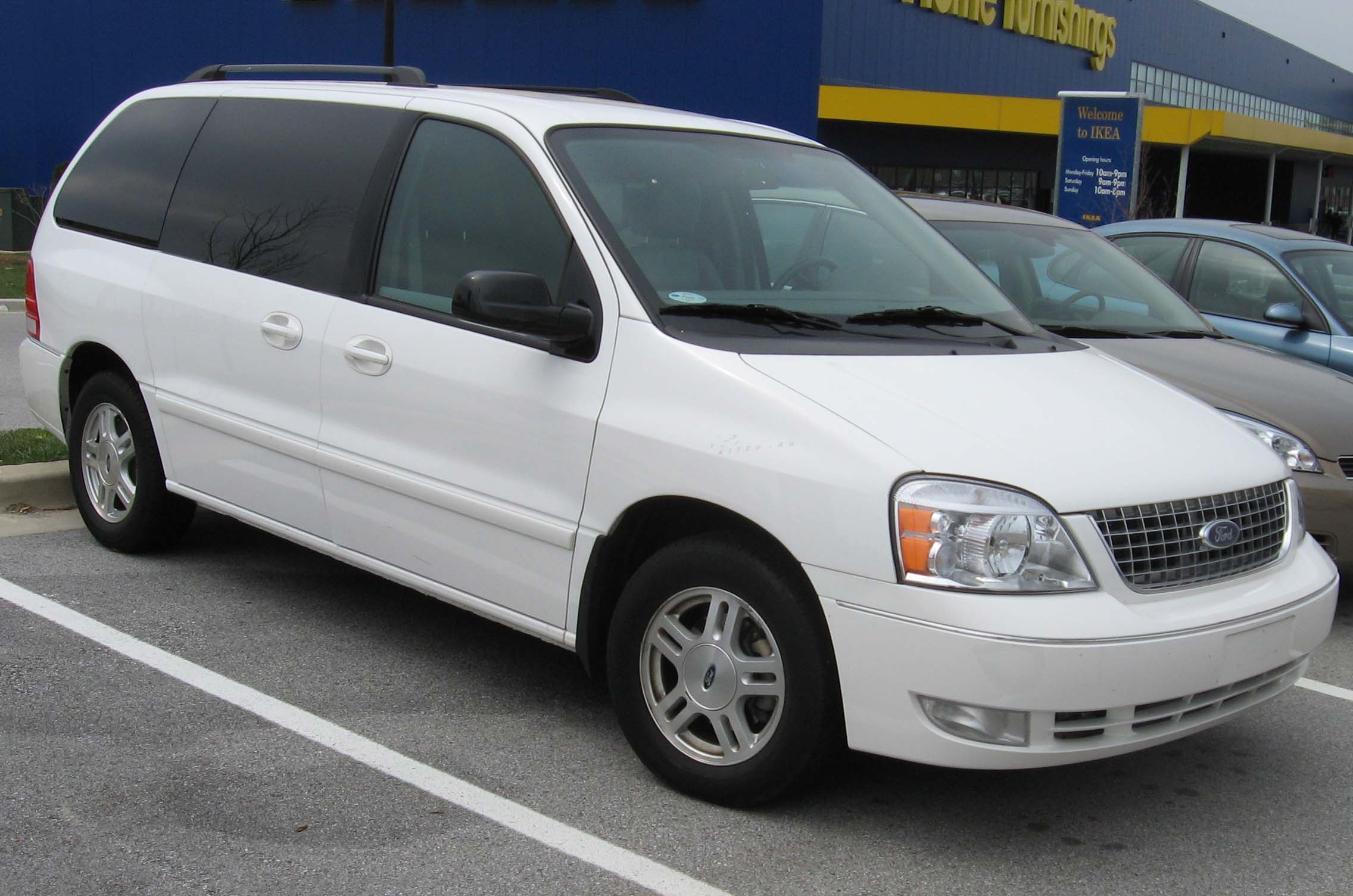 Ford Freestar photo 01