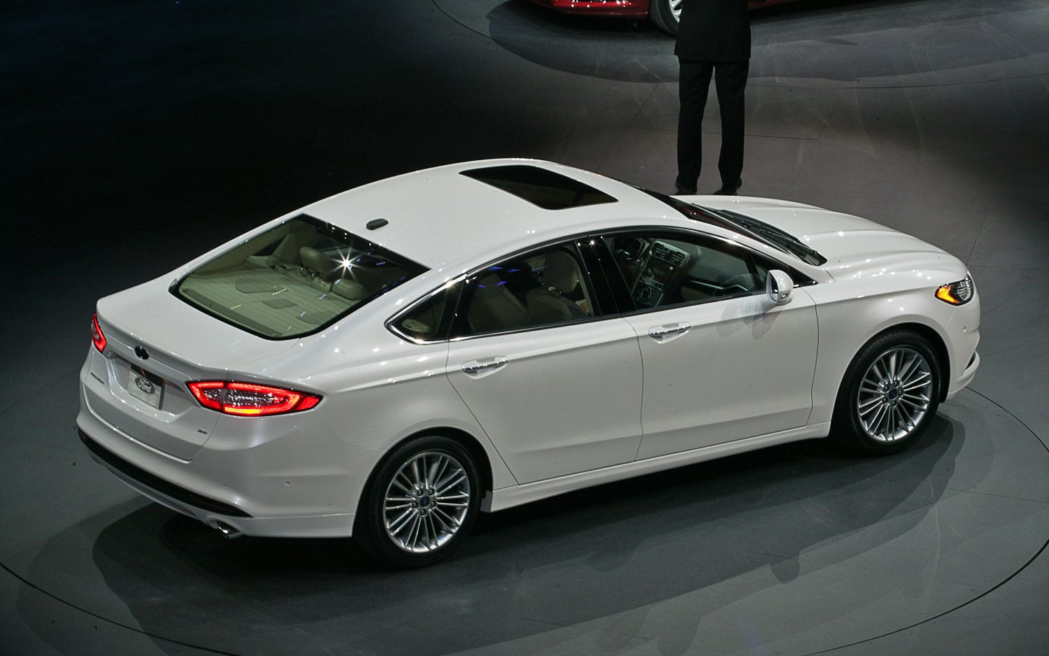 Ford Fusion photo 10