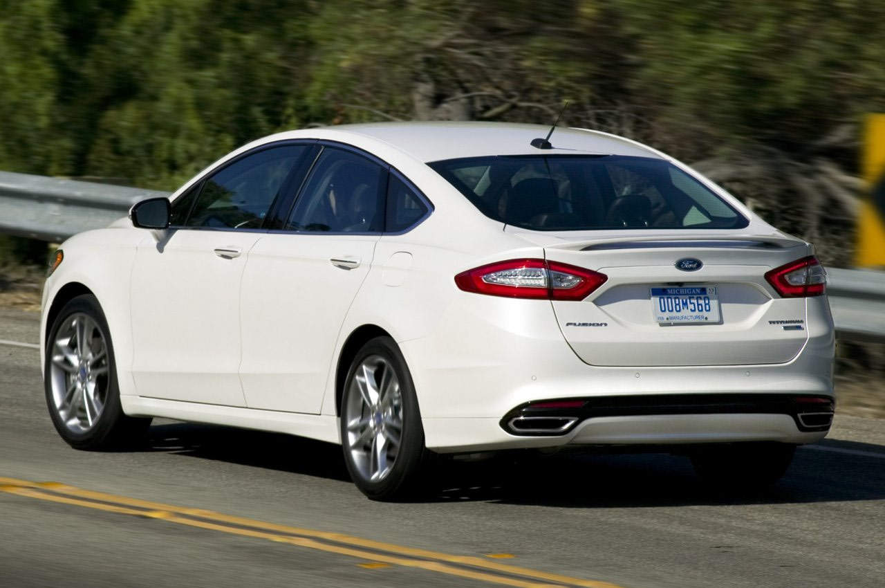 Ford Fusion photo 11