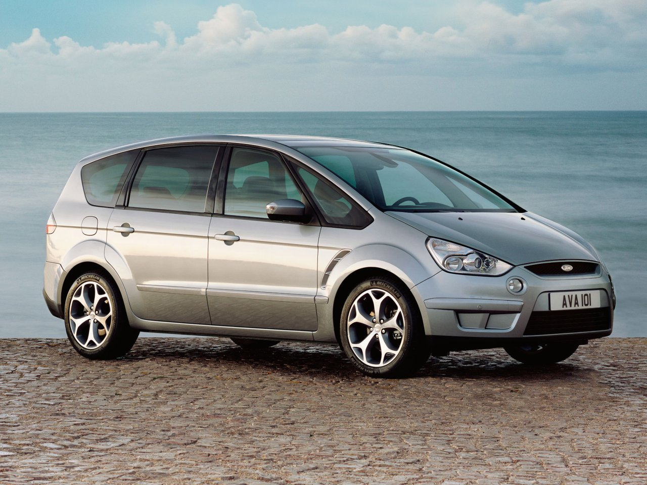 Ford S-MAX photo 03
