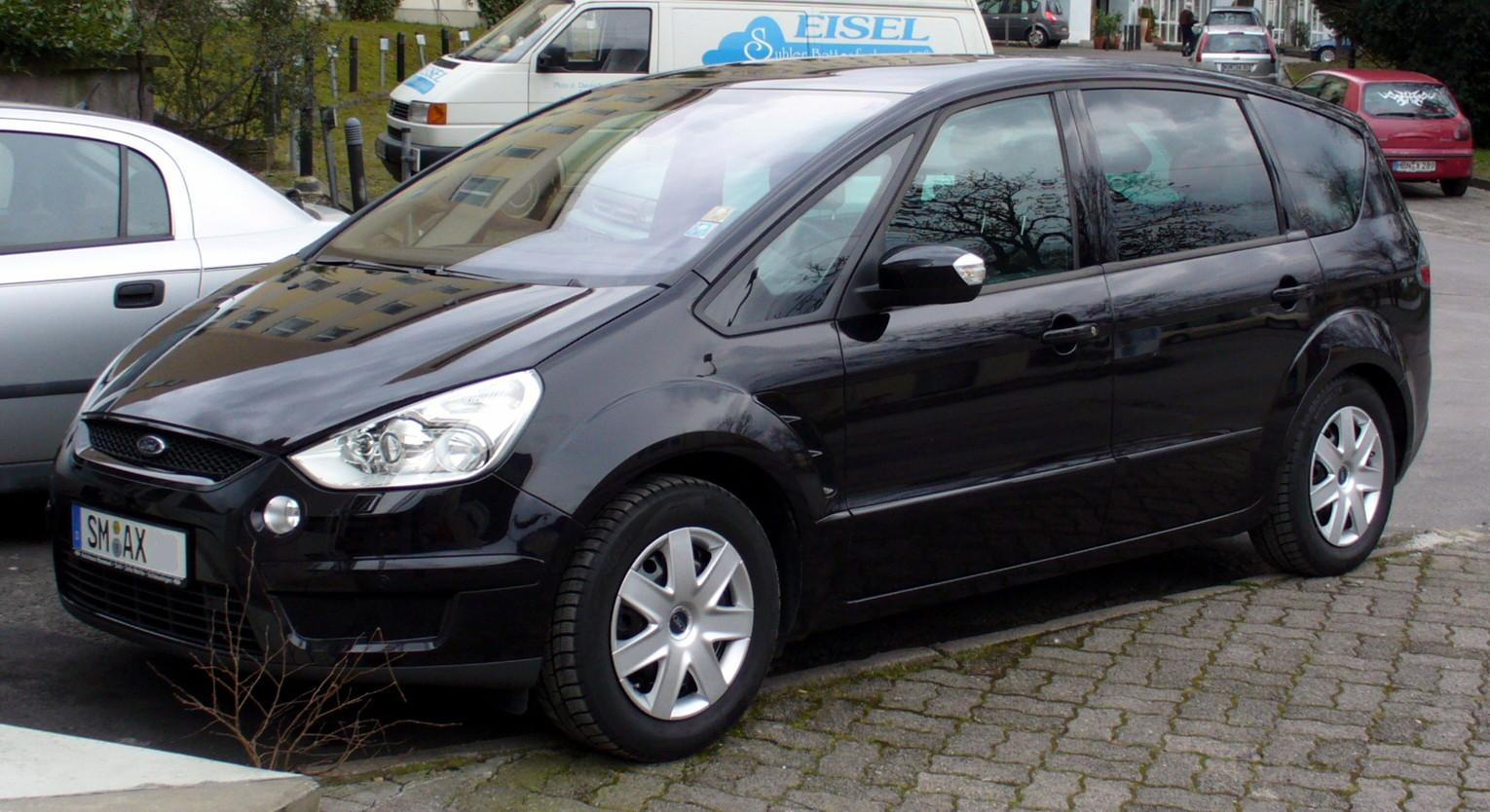 Ford S-MAX photo 06