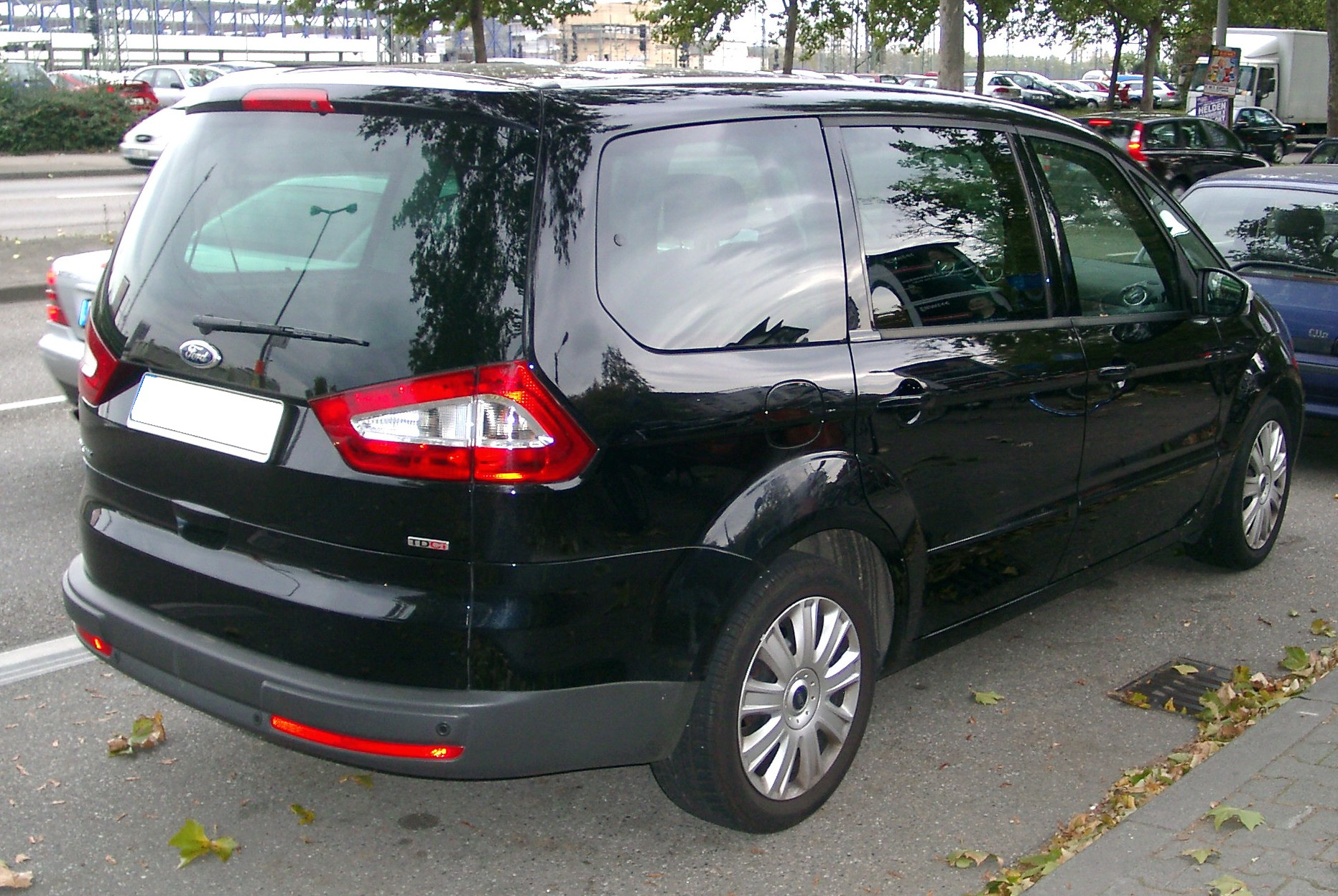 Ford S-MAX photo 12