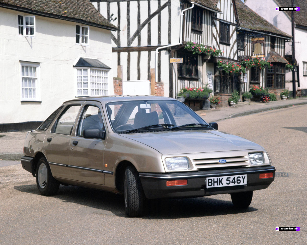Ford Sierra photo 04