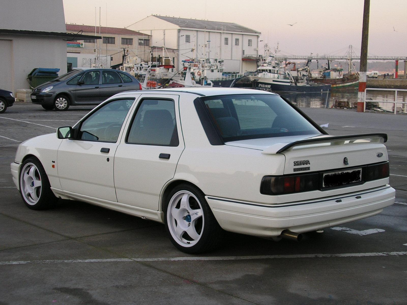 Ford Sierra photo 10