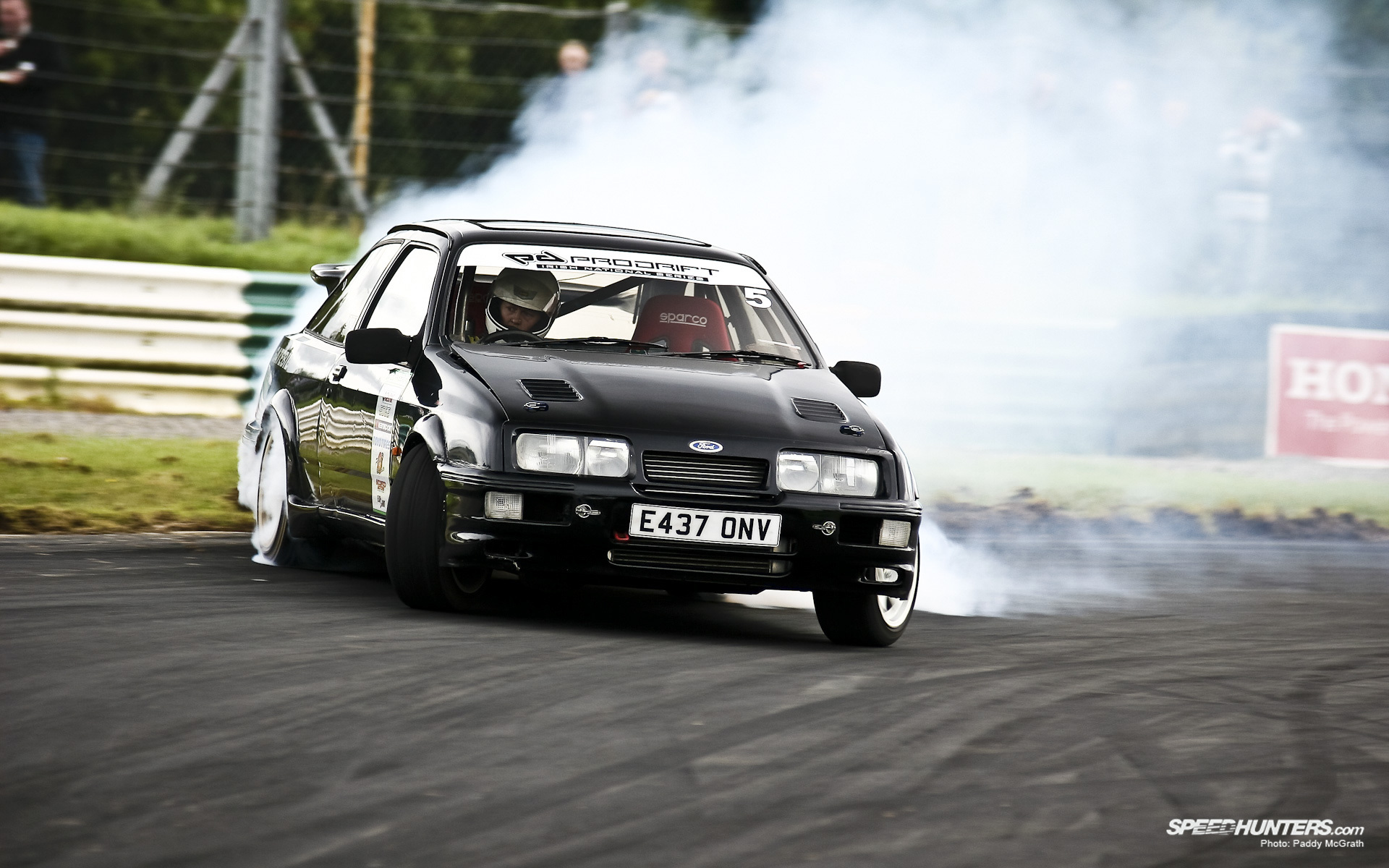 Ford Sierra photo 13