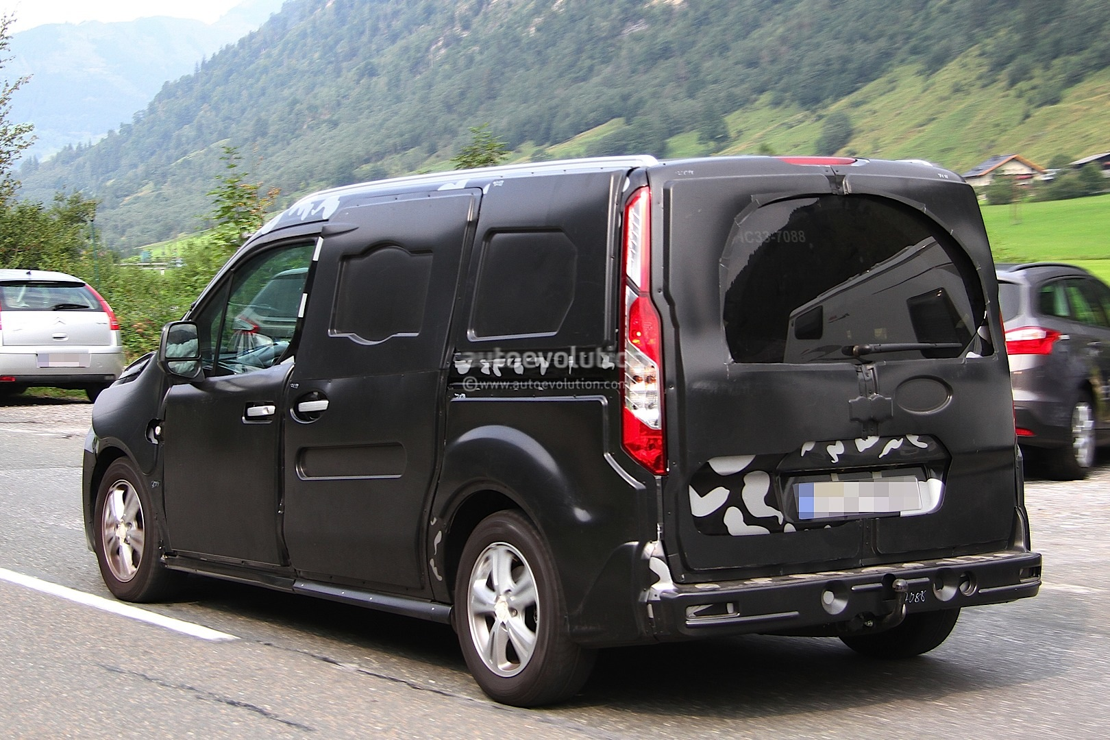 Ford Tourneo Connect photo 05