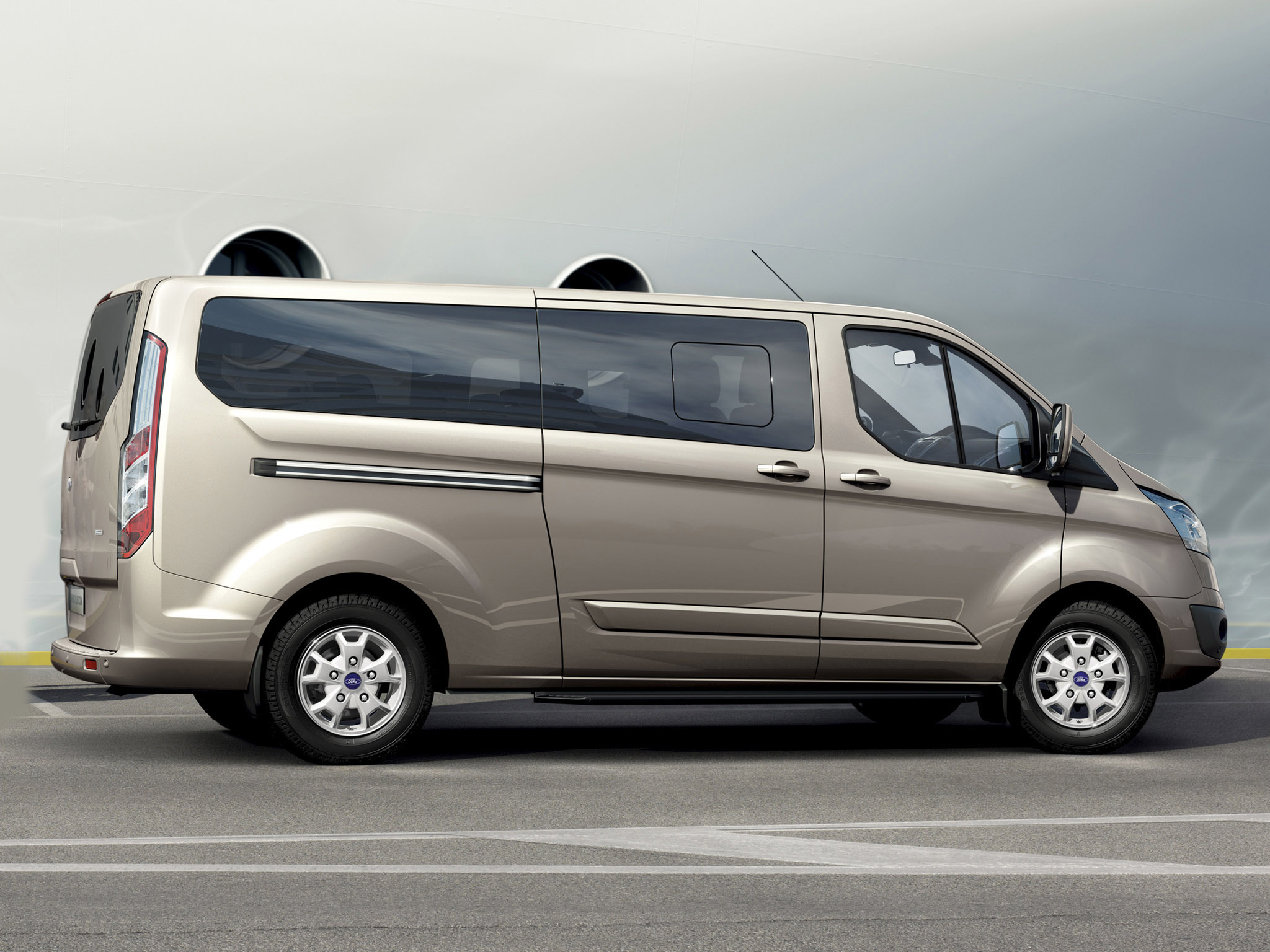 ford tourneo custom technical details history photos on. Black Bedroom Furniture Sets. Home Design Ideas