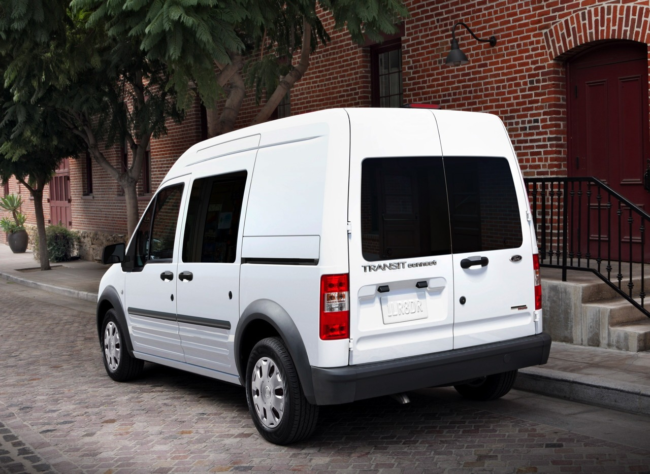 Ford Transit Connect photo 11