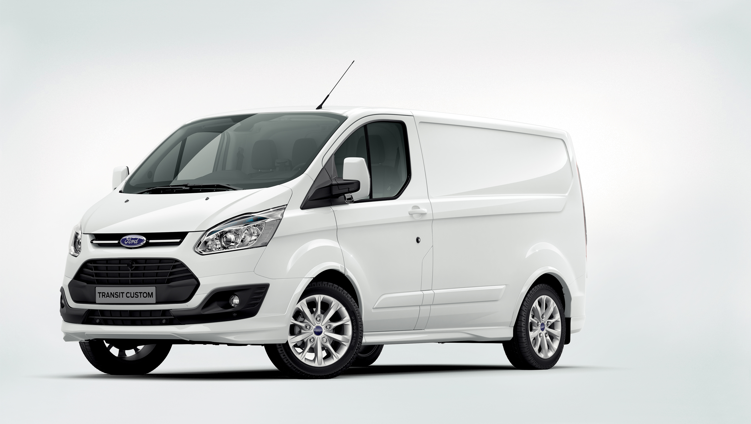 Ford Transit Custom photo 01