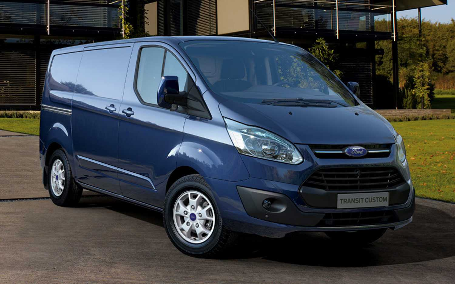Ford Transit Custom photo 02