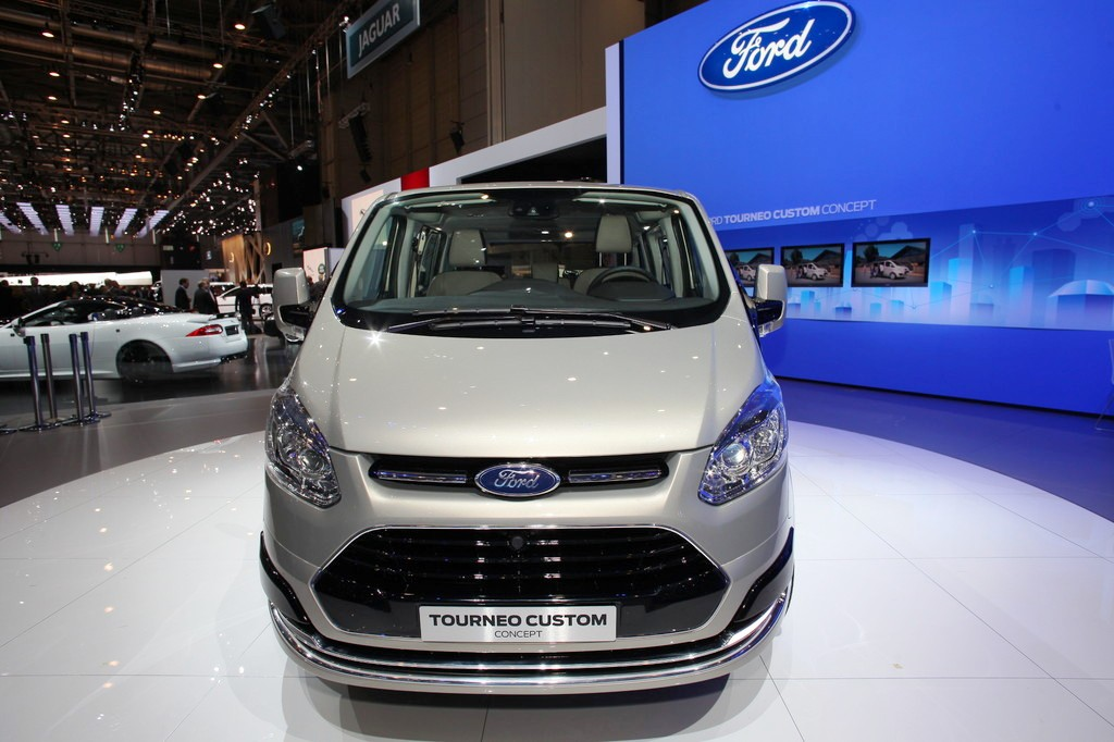Ford Transit Custom photo 06