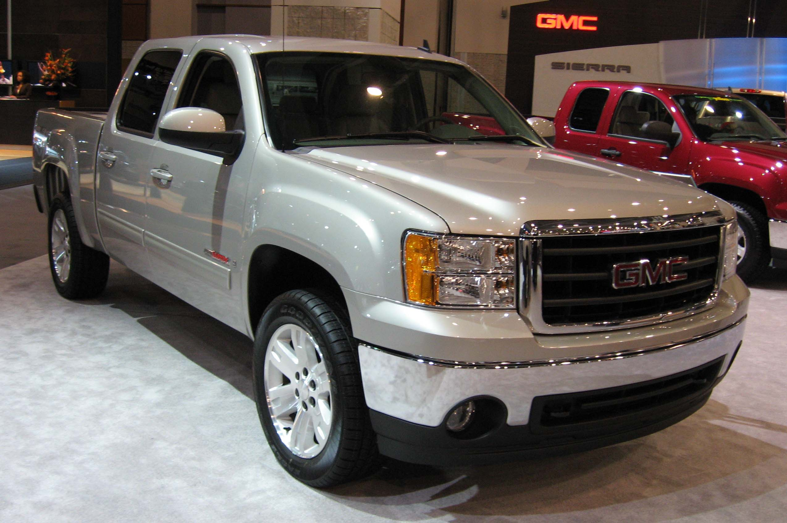 GMC Sierra photo 11