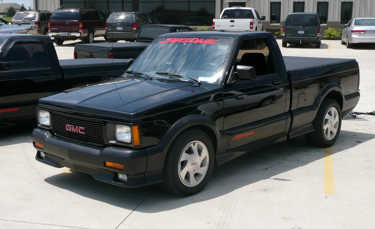 GMC Syclone photo 01