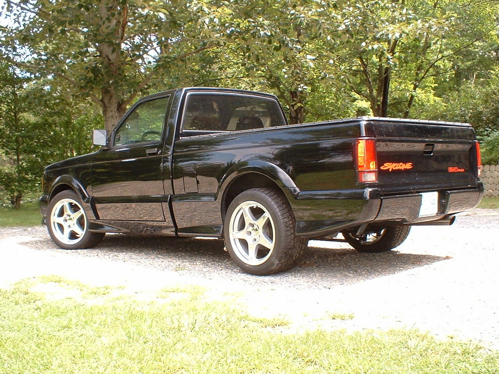GMC Syclone photo 02