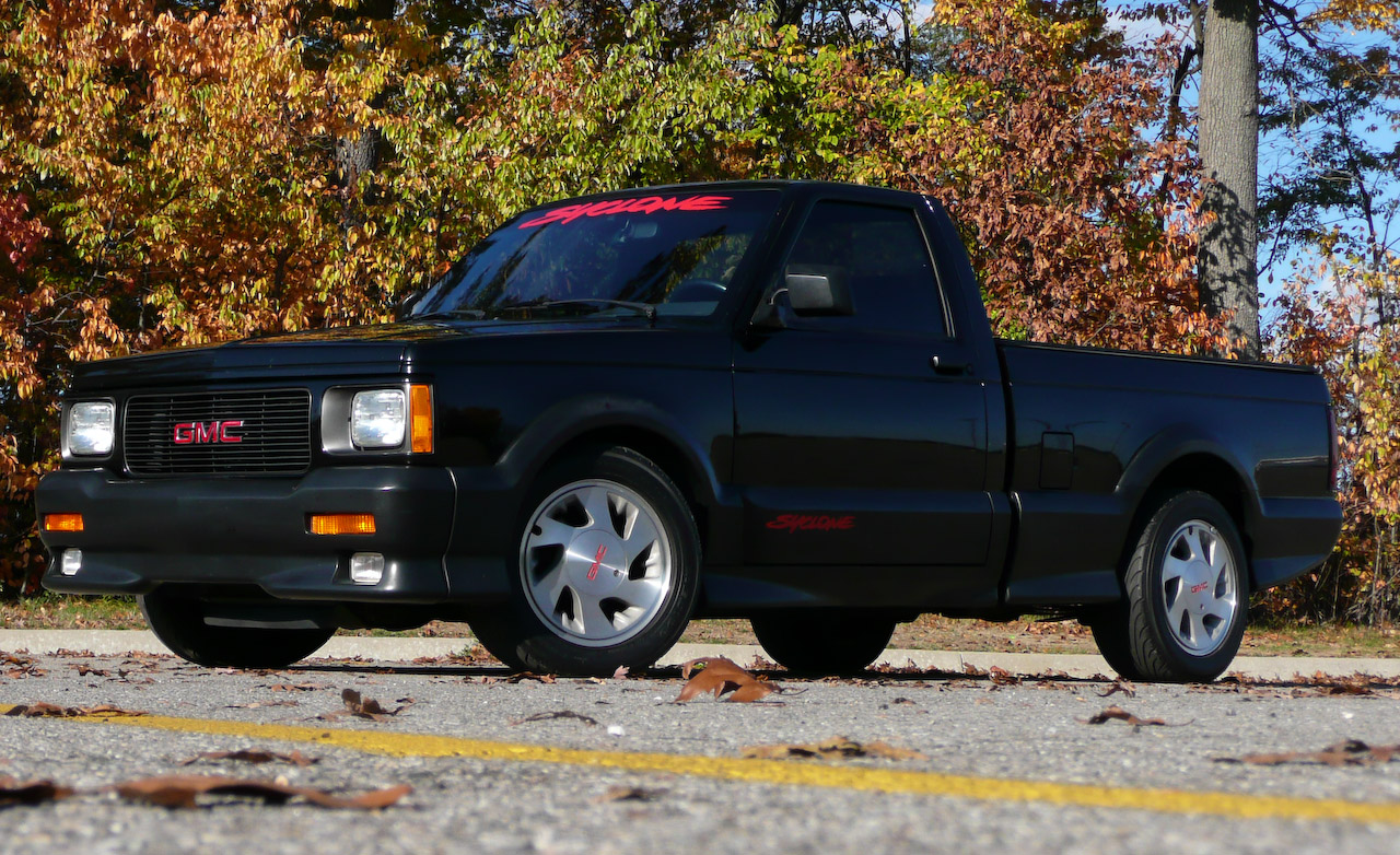 GMC Syclone photo 03