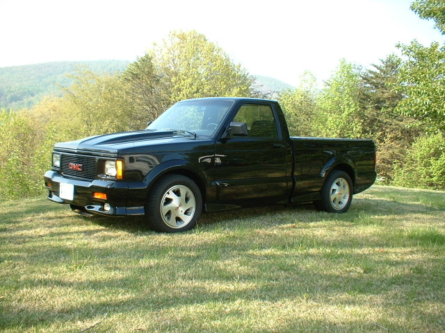 GMC Syclone photo 06