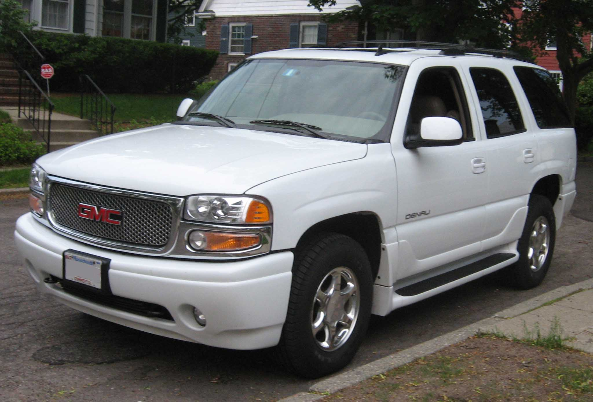 GMC Yukon photo 02