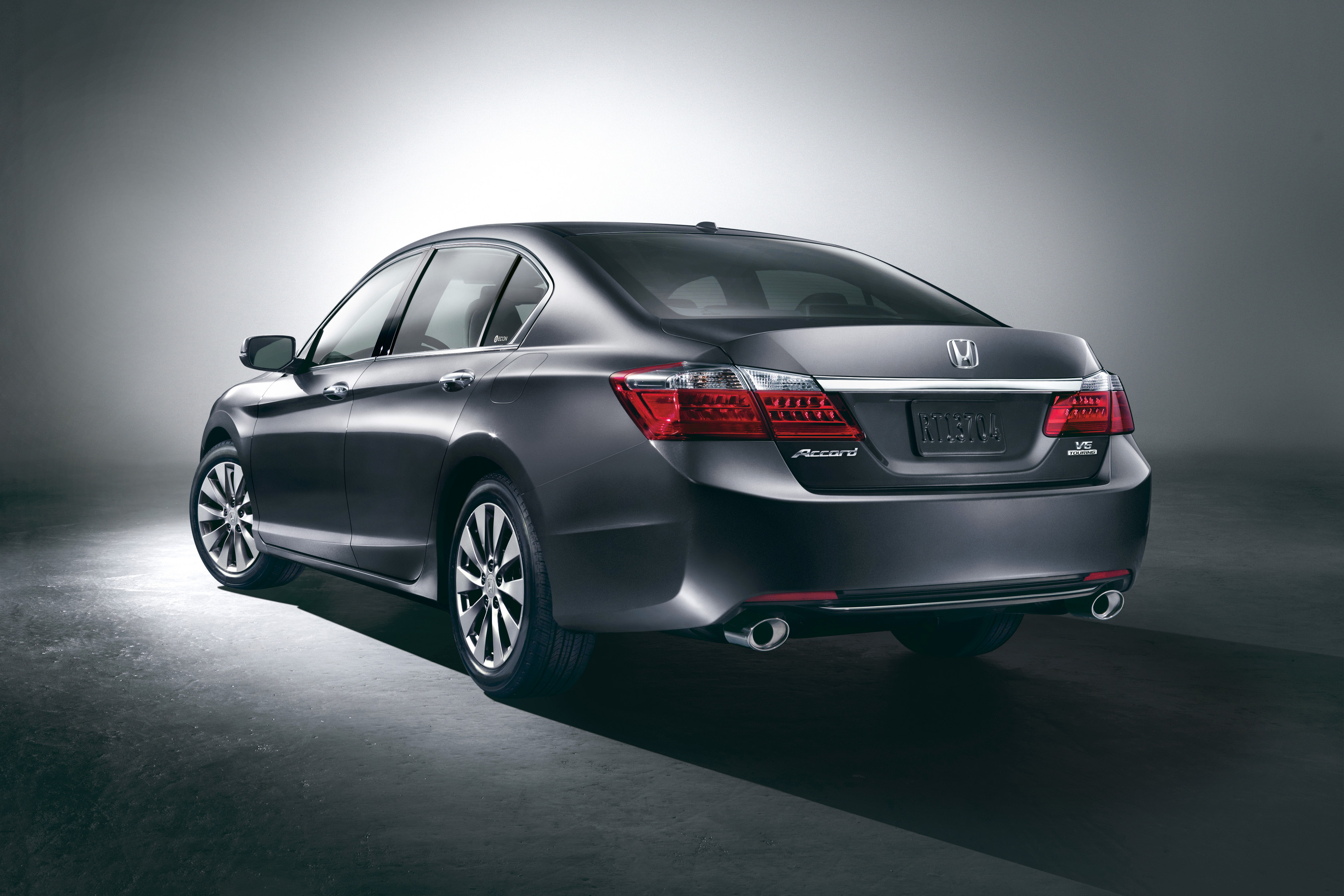 Honda Accord photo 02