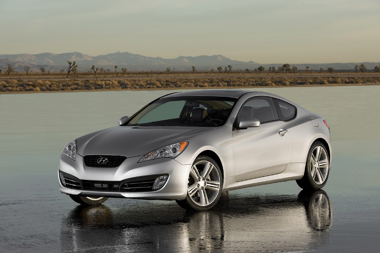 Hyundai Genesis Coupe photo 04