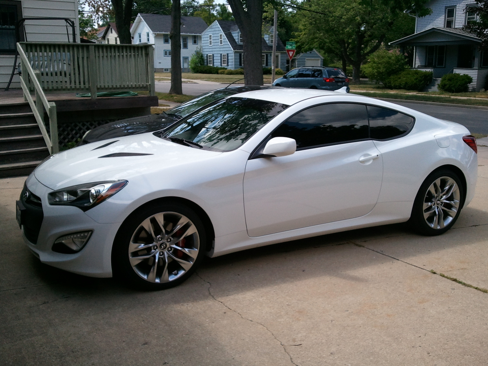 Hyundai Genesis Coupe photo 05