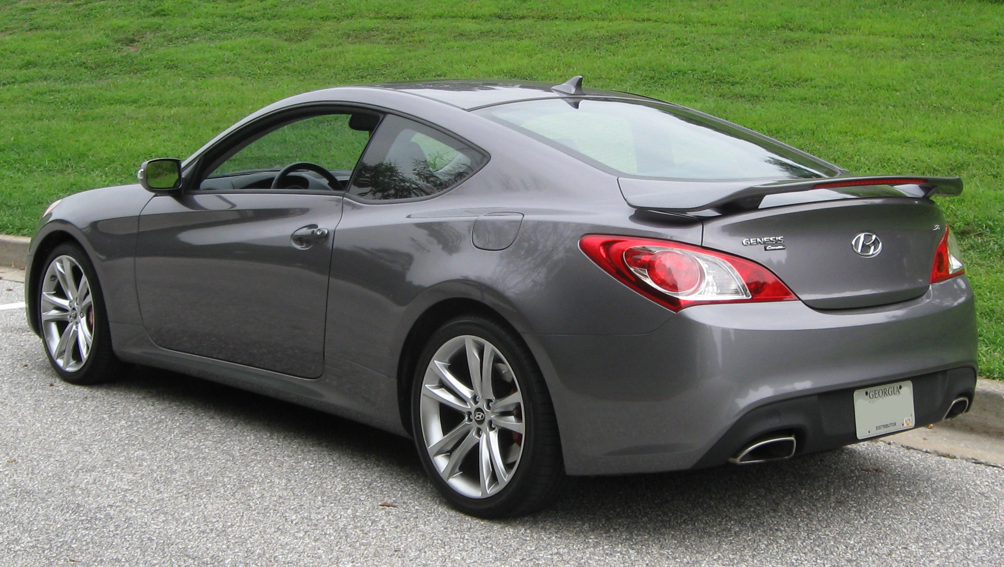 Hyundai Genesis Coupe photo 10