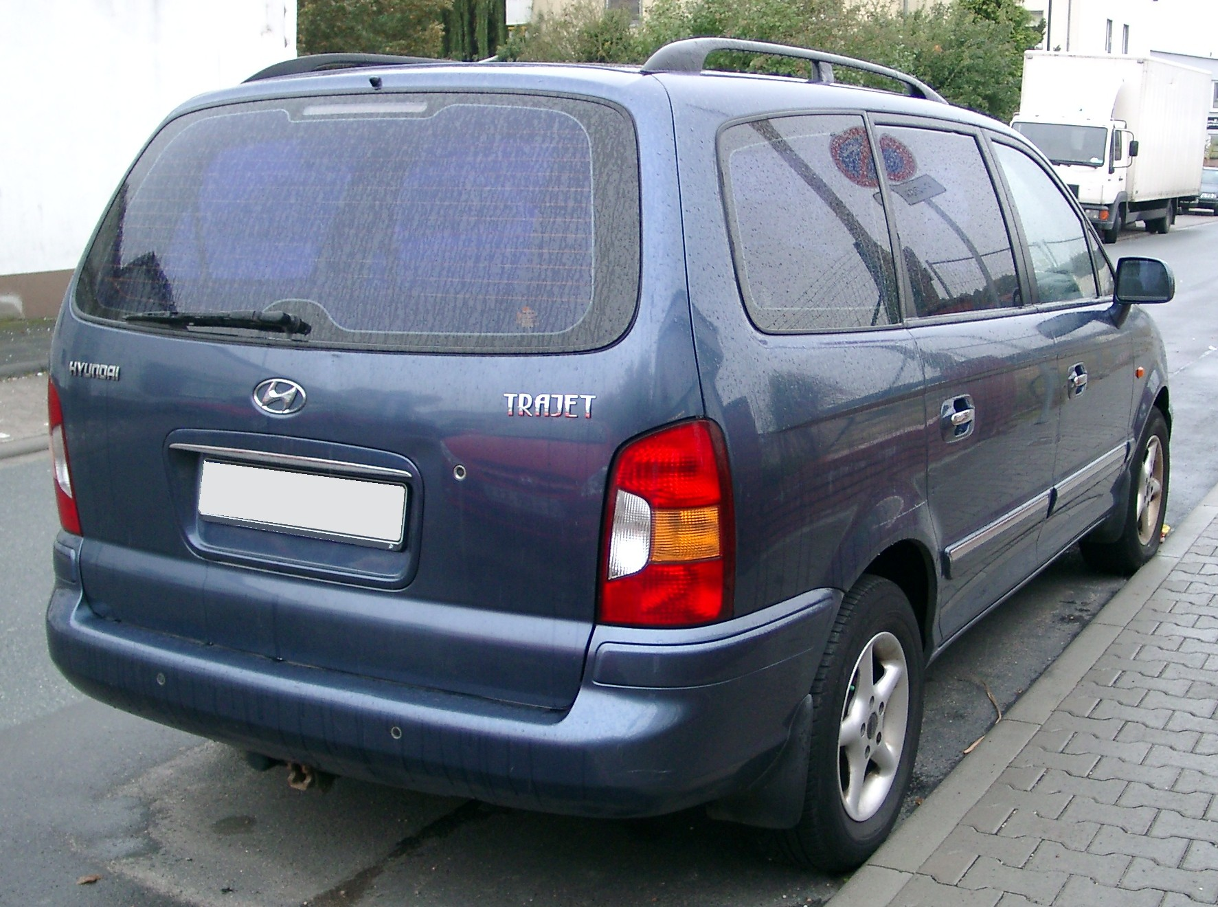 Hyundai Trajet photo 01