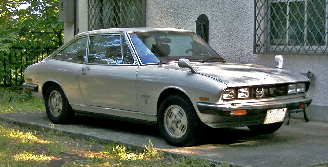 Isuzu 117 Coupé photo 11