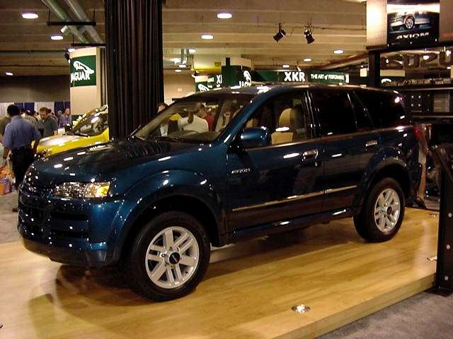 Isuzu Axiom photo 07