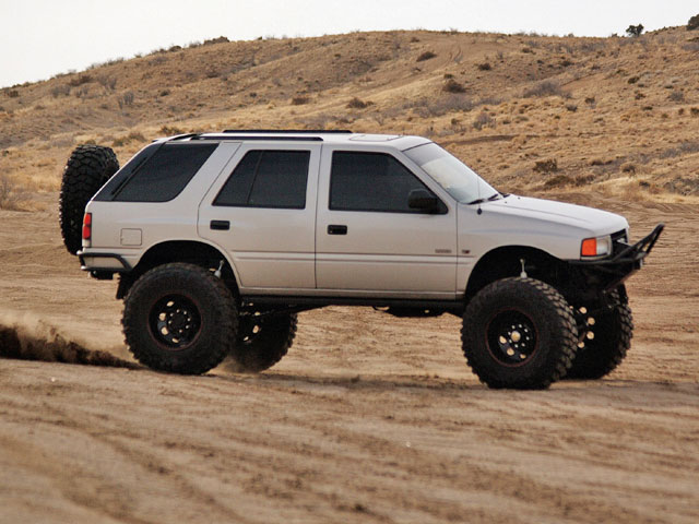Isuzu Rodeo photo 04