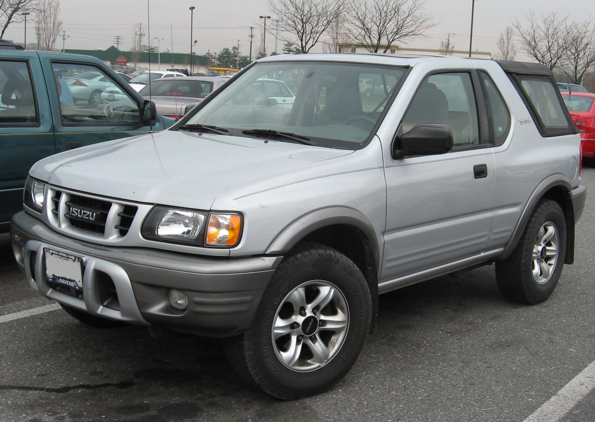 Isuzu Rodeo photo 08