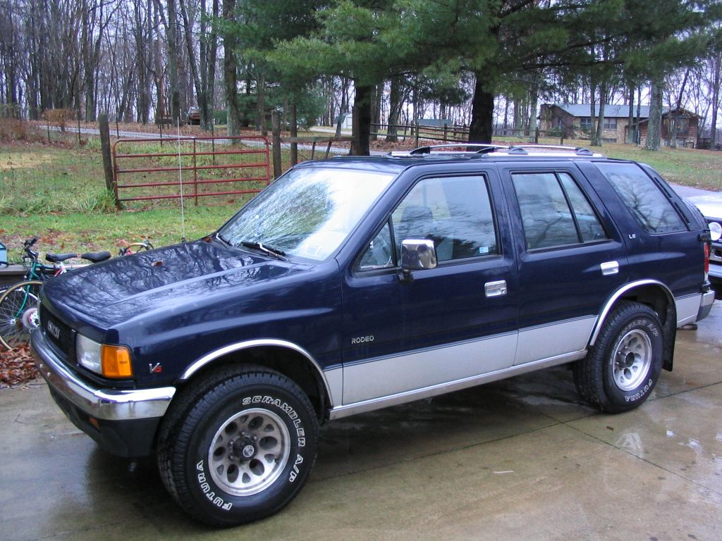 Isuzu Rodeo photo 10