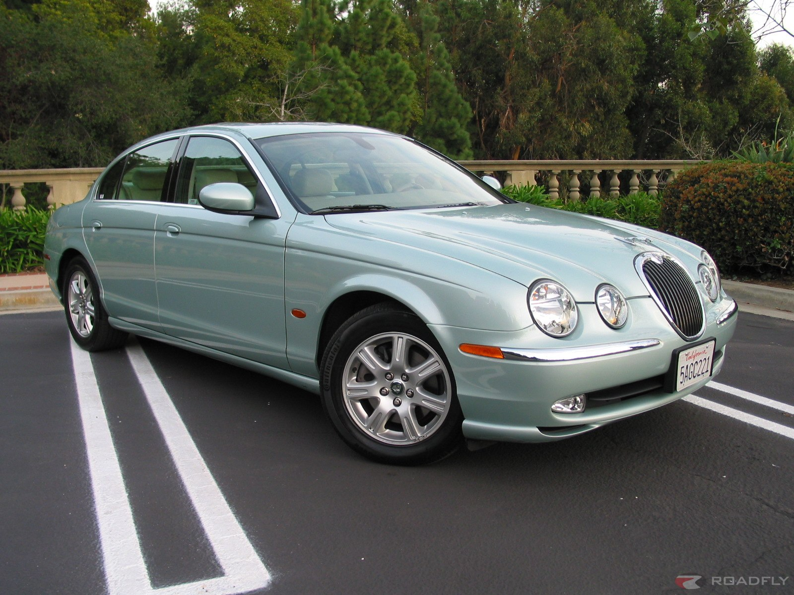 Jaguar S-Type photo 13