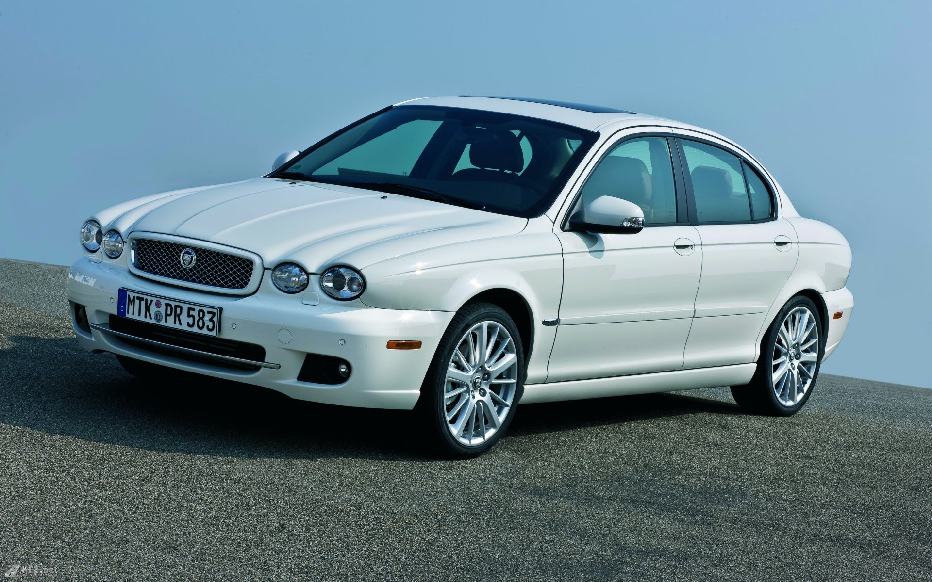 Jaguar X-Type photo 11