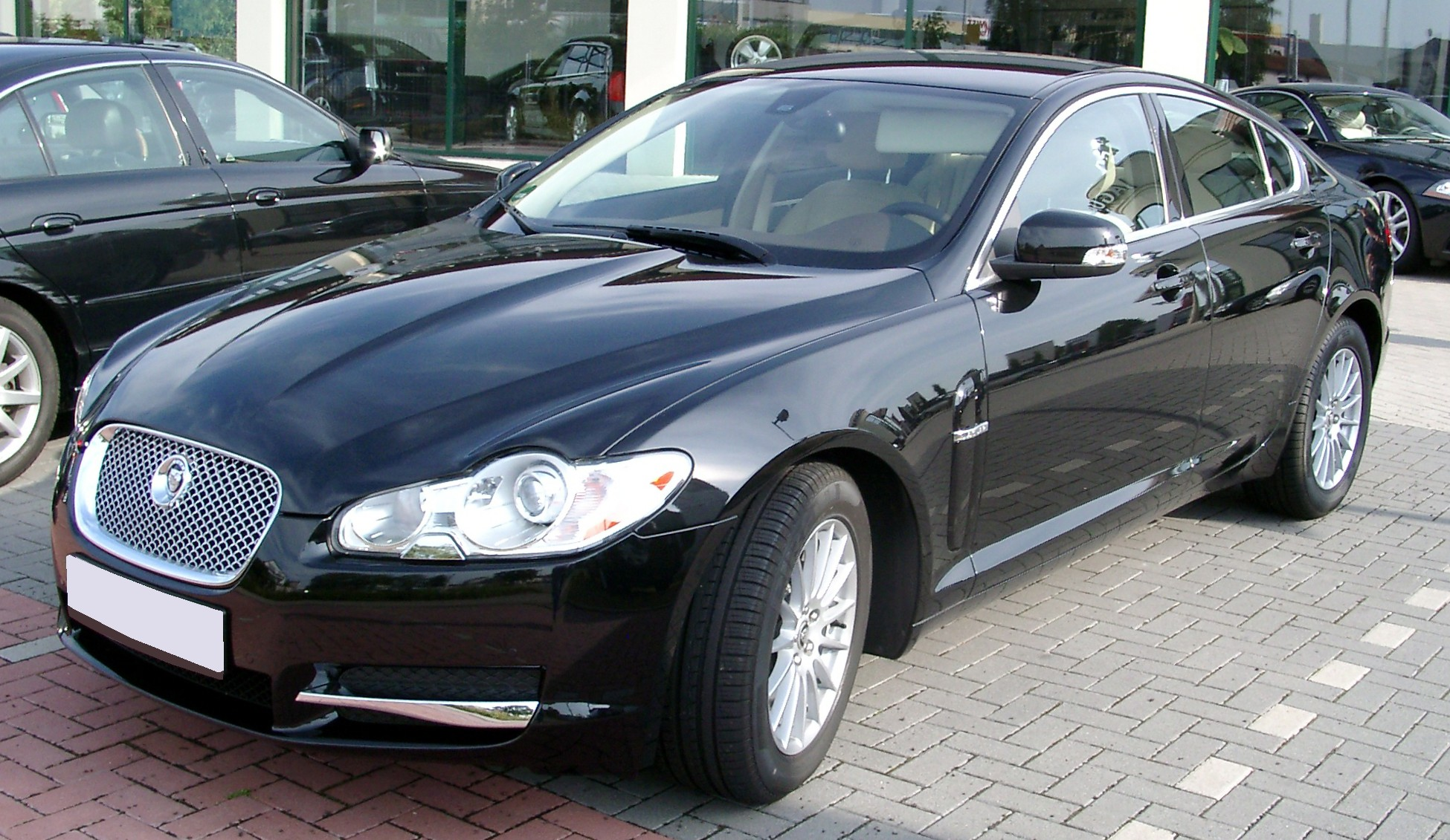 Jaguar XF photo 02