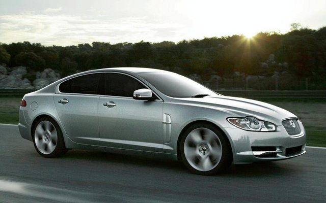Jaguar XF photo 04