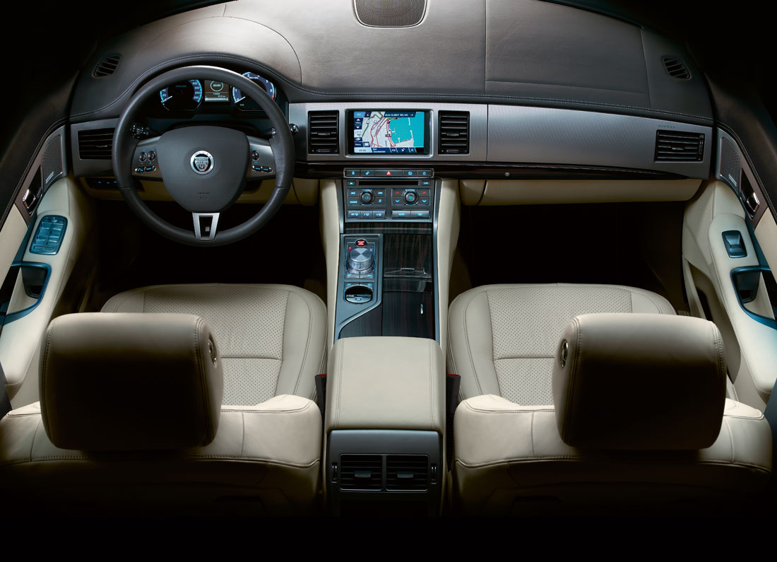 Jaguar XF photo 07
