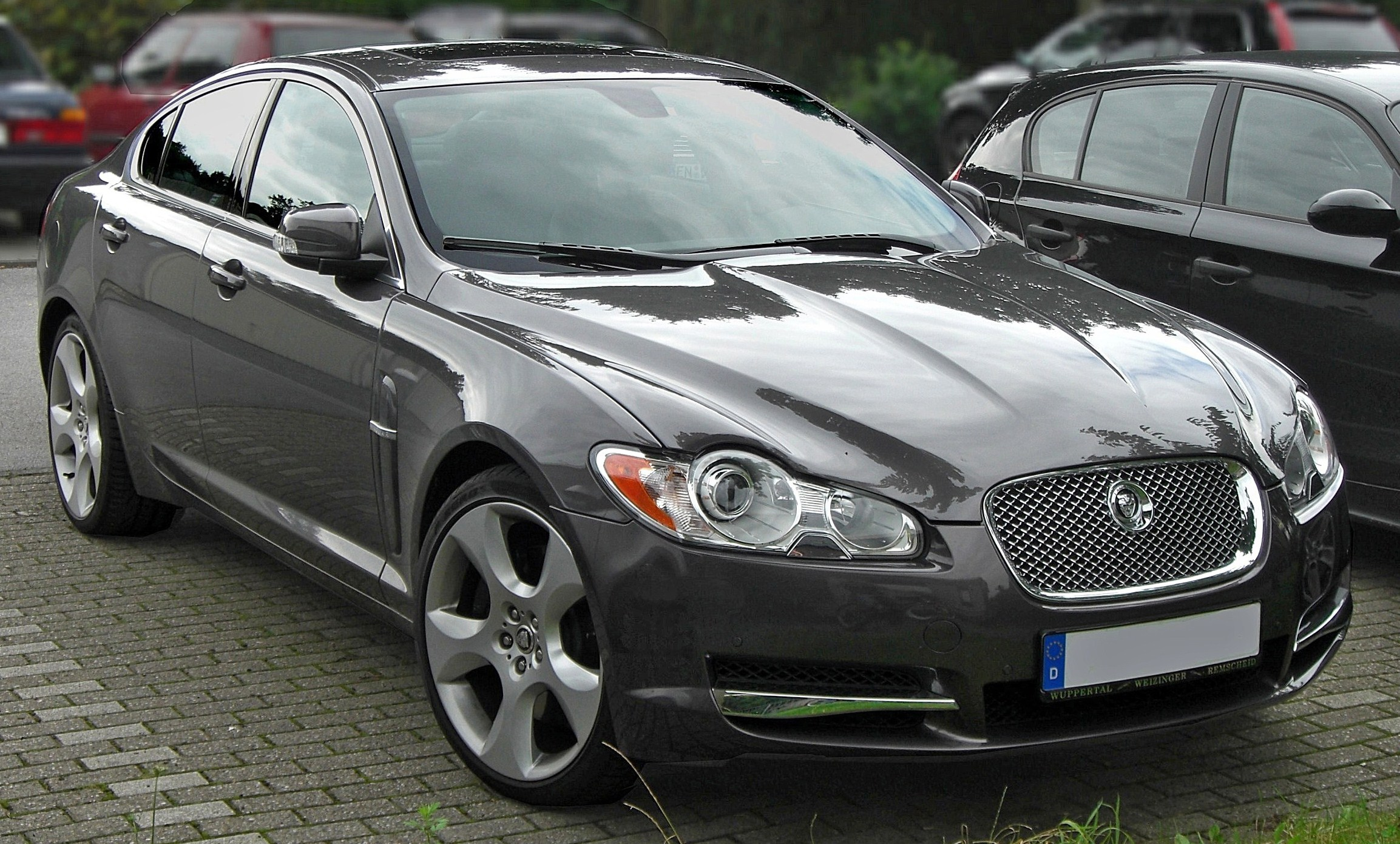 Jaguar XF photo 09