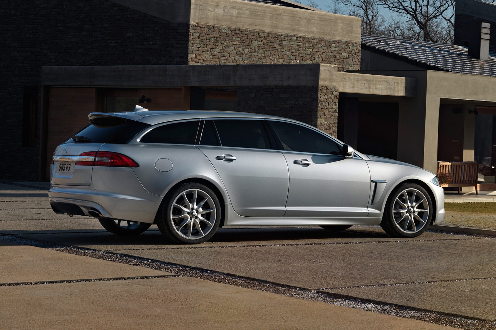 jaguar xf sportbrake technical details history photos on. Black Bedroom Furniture Sets. Home Design Ideas