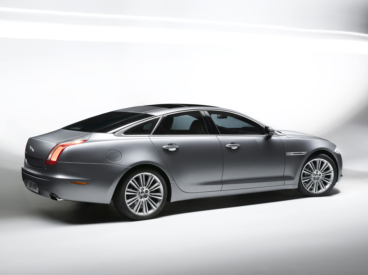 Jaguar xj photo 01