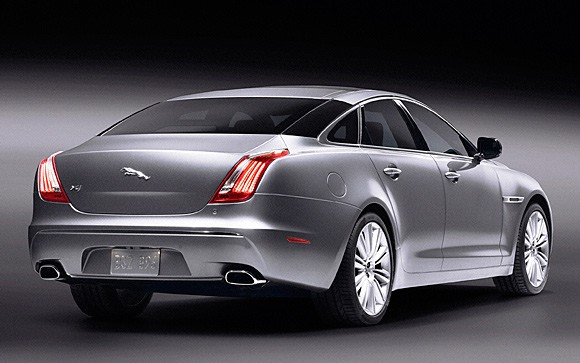 Jaguar XJ photo 04