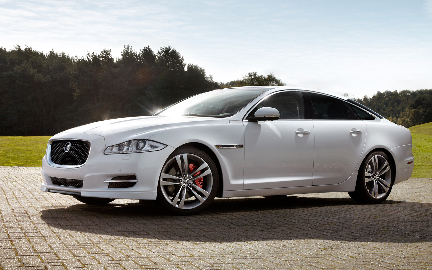 Jaguar XJ photo 06