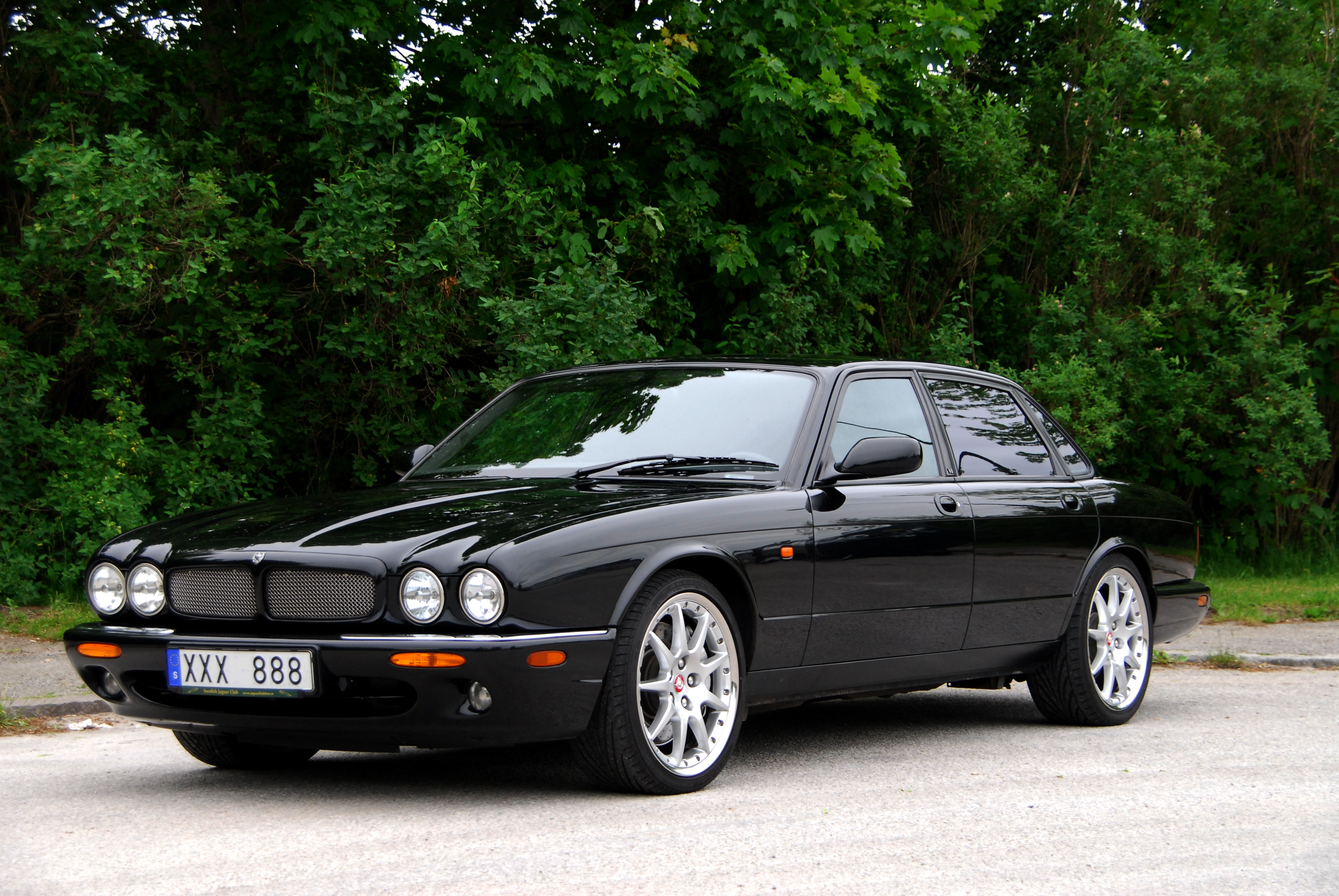 Jaguar XJR photo 01