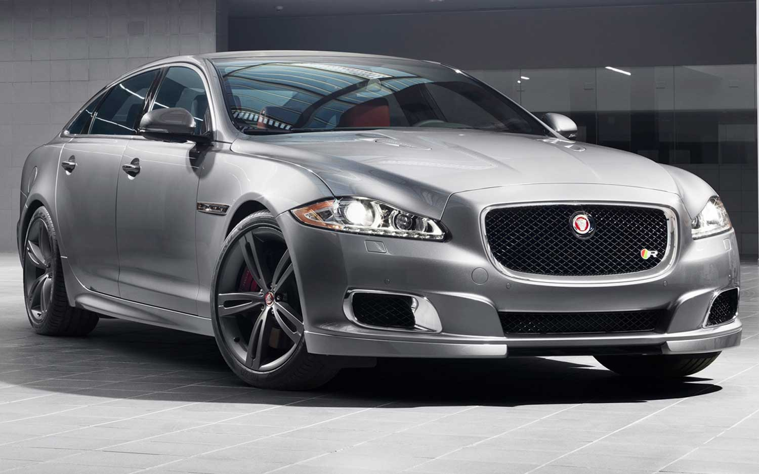 Jaguar XJR photo 03