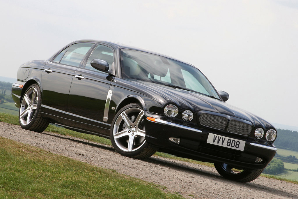 Jaguar XJR photo 10