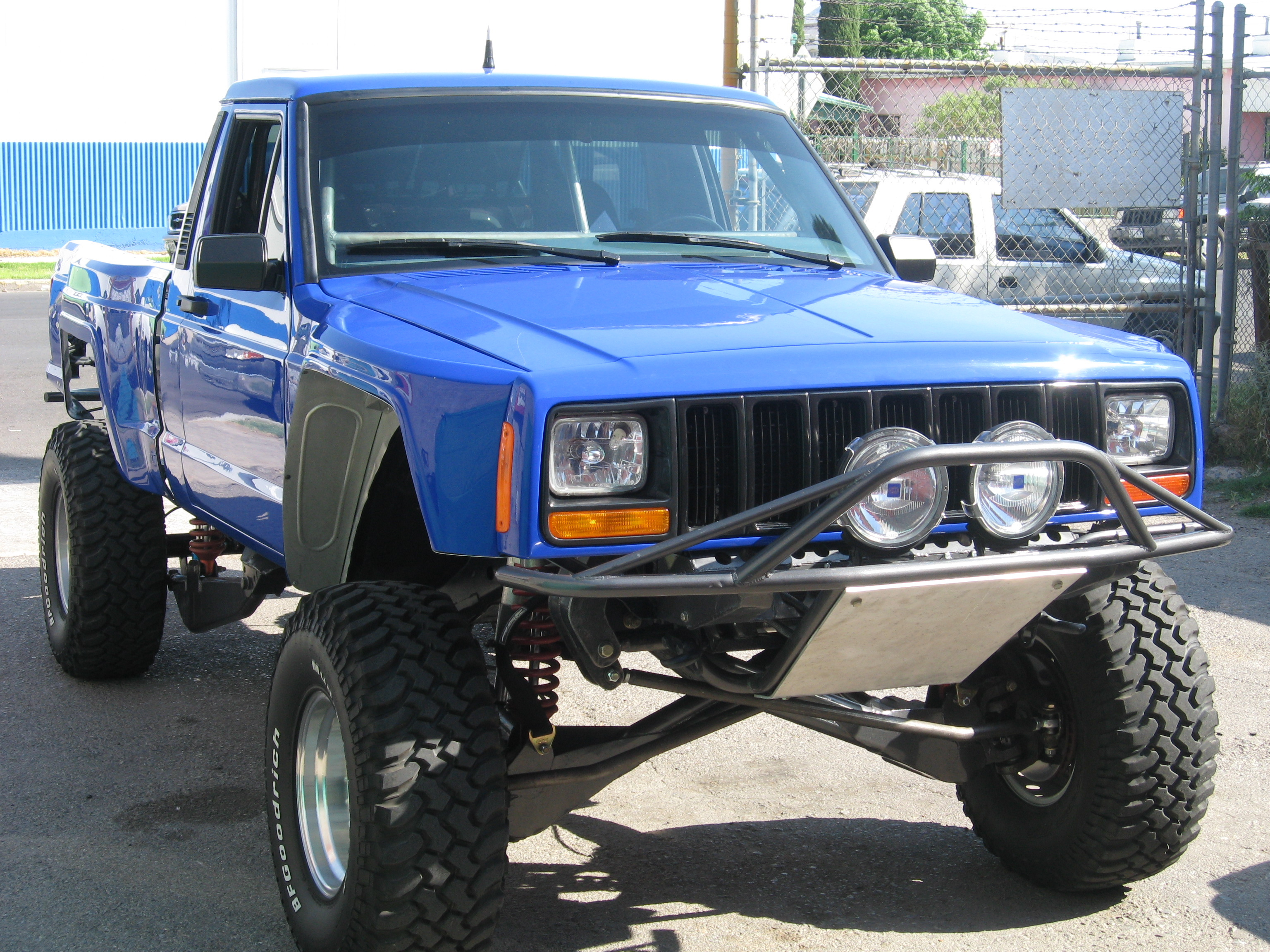 Jeep Comanche photo 03
