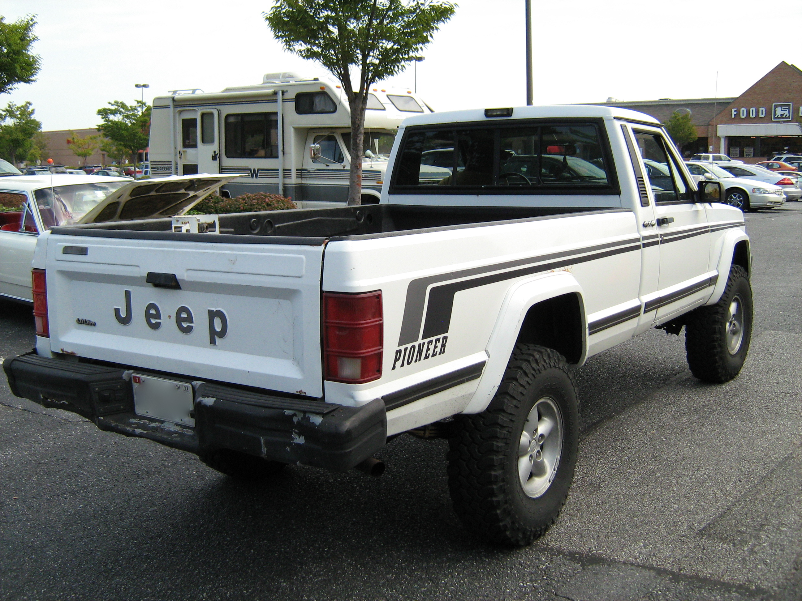 Jeep Comanche photo 05