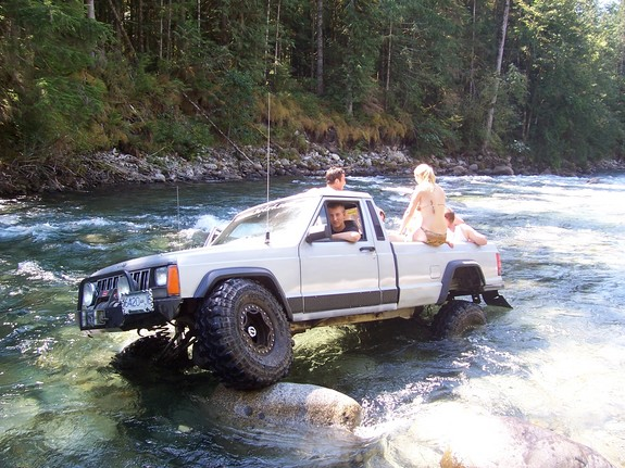Jeep Comanche photo 10